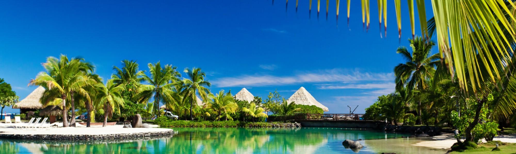 1 tropical resort_canstockphoto8750212
